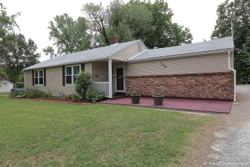 Home for sale in Cape Girardeau MO 3 bedrooms, 1 full baths and 1 half baths
