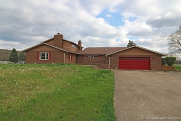 Home for sale in Fredericktown MO 3 bedrooms, 3 full baths and 1 half baths