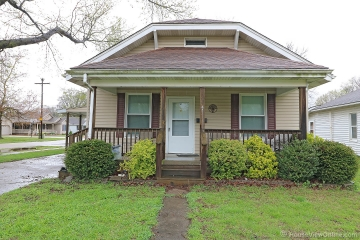Home for sale in Chaffee MO 3 bedrooms, 2 full baths