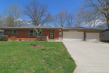 Home for sale in Cape Girardeau MO 3 bedrooms, 1 full baths and 2 half baths