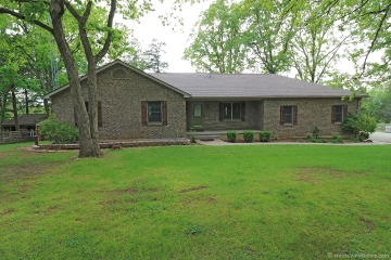 Home for sale in Fredericktown MO 4 bedrooms, 3 full baths and 1 half baths