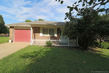 Home for sale in Fruitland MO 3 bedrooms, 2 full baths and 1 half baths
