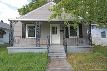 Home for sale in Chaffee MO 2 bedrooms, 1 full baths