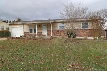 Home for sale in Farmington MO 3 bedrooms, 2 full baths