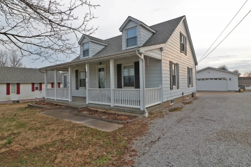 Home for sale in Perryville MO 3 bedrooms,  full baths