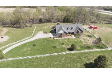 Home for sale in Fredericktown MO 3 bedrooms, 4 full baths