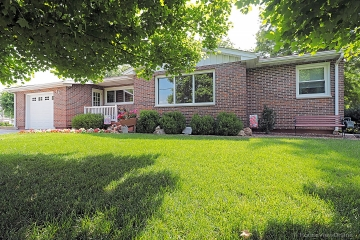 Home for sale in Ste. Genevieve MO 2 bedrooms, 1 full baths and 1 half baths