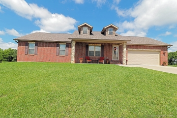 Home for sale in Jackson MO 3 bedrooms, 3 full baths