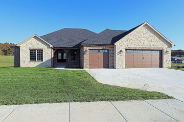 Home for sale in Cape Girardeau MO 6 bedrooms, 4 full baths