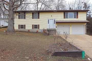 Home for sale in Bloomsdale MO 4 bedrooms, 2 full baths and 1 half baths