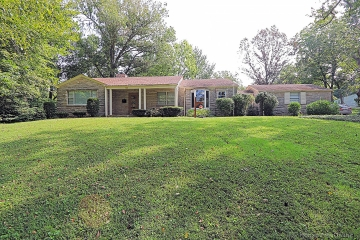 Home for sale in Jackson MO 5 bedrooms, 3 full baths