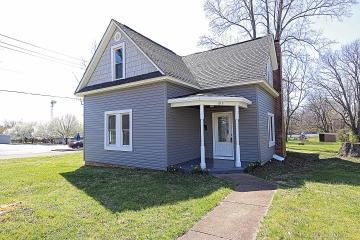 Home for sale in Farmington MO 4 bedrooms, 2 full baths