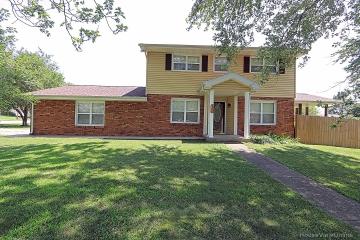 Home for sale in Farmington MO 3 bedrooms, 1 full baths and 1 half baths