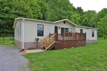 Home for sale in Chaffee MO 3 bedrooms, 2 full baths and 1 half baths