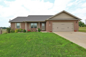 Home for sale in Cape Girardeau MO 4 bedrooms, 3 full baths