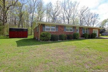 Real Estate Photo of MLS 17031421 1416 Cedar Lane, Bismarck MO