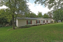 Real Estate Photo of MLS 17063324 522 Hilltop View, Catawissa MO
