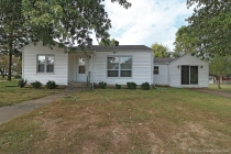 Real Estate Photo of MLS 17074436 924 Oak St, Jackson MO