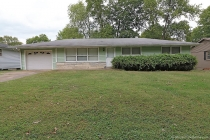 Real Estate Photo of MLS 17079368 1114 Landgraf Dr, Cape Girardeau MO