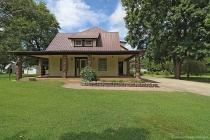 Real Estate Photo of MLS 17090528 300 County Road 634, Cape Girardeau MO