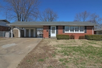 Real Estate Photo of MLS 18018089 1818 Brink St, Cape Girardeau MO