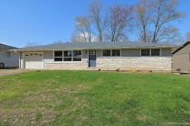 Real Estate Photo of MLS 18026295 1114 Landgraf, Cape Girardeau MO