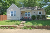 Real Estate Photo of MLS 18045000 220 Carleton Street, Farmington MO