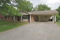 Real Estate Photo of MLS 18046853 1938 Westwood Drive, Cape Girardeau MO