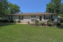 Real Estate Photo of MLS 18051733 311 Old Hwy 8, Park Hills MO