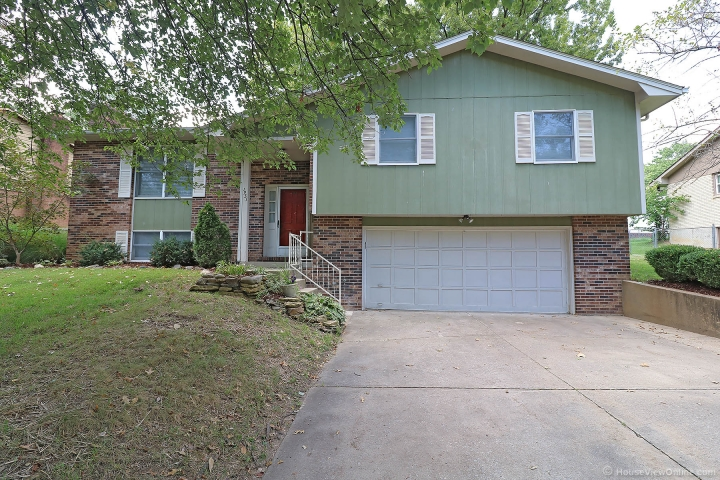 Real Estate Photo of MLS 18074401 1931 Sherwood Drive, Cape Girardeau MO