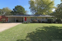 Real Estate Photo of MLS 18084185 2122 Sherwood Drive, Cape Girardeau MO