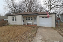 Real Estate Photo of MLS 19000406 2021 Woodlawn Avenue, Cape Girardeau MO