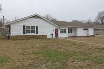 Real Estate Photo of MLS 19001461 1831 College Street, Cape Girardeau MO
