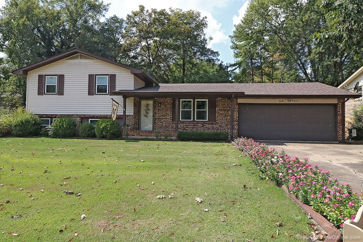 Real Estate Photo of MLS 19009603 2037 Anthony Dr, Cape Girardeau MO
