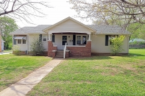 Real Estate Photo of MLS 19013176 817 Carleton Street, Farmington MO