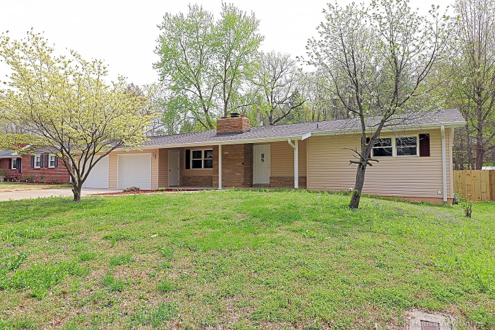 Real Estate Photo of MLS 19026066 2230 Sherwood Drive, Cape Girardeau MO