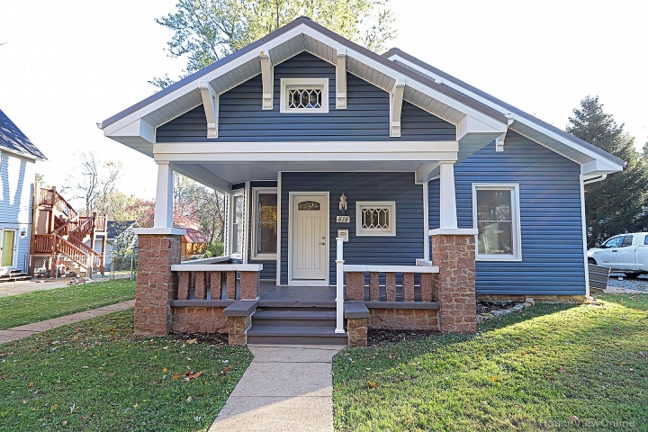 Real Estate Photo of MLS 19082269 414 College Street, Farmington MO