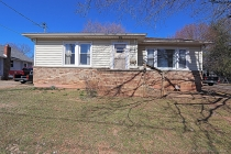 Real Estate Photo of MLS 19083008 619 College Street, Farmington MO